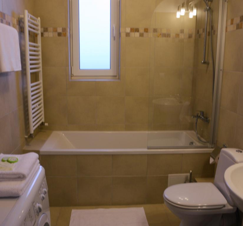 Bagno hotel Cluj affitto booking red hotel