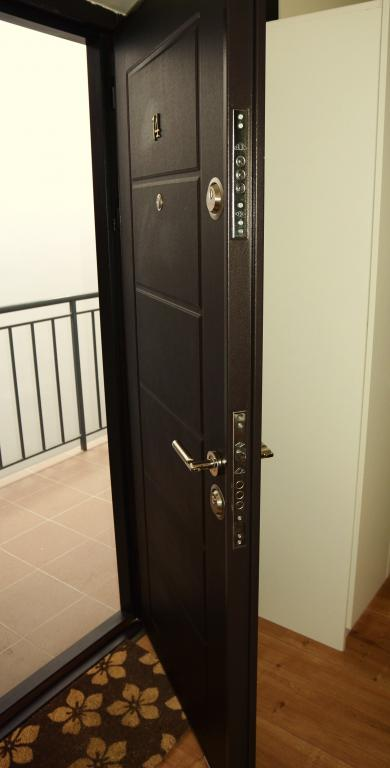 safety door serviced apartments Cluj city center by the Cluj Horizon